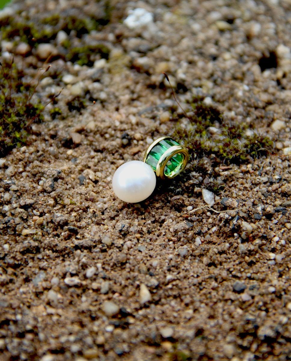 Perlen Anhänger Claire gelbgold smaragd grün seitlich