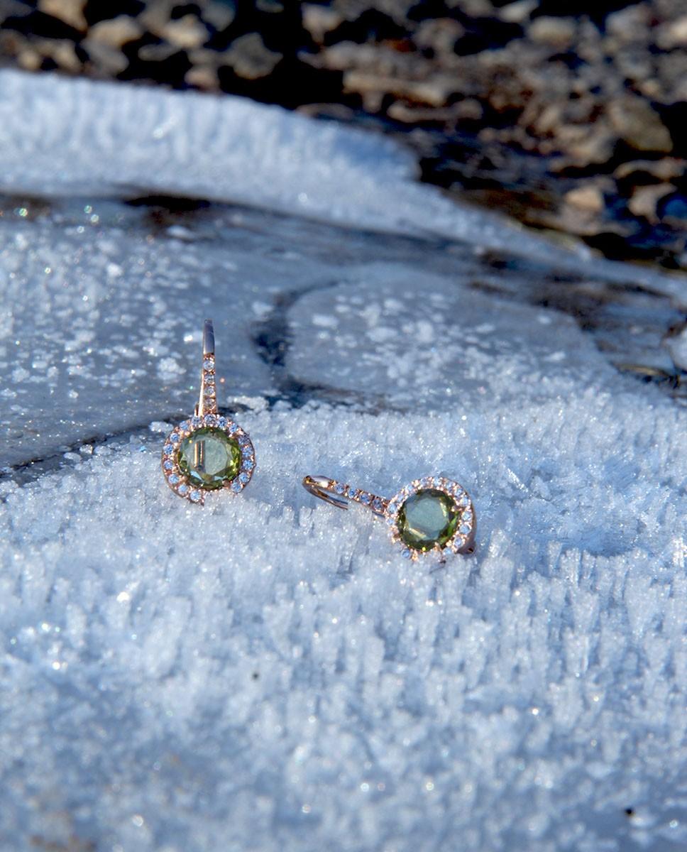 Rose Ohrringe Victoria grün auf gefrorener Pfütze