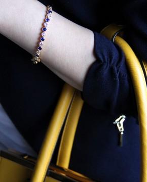 Goldenes Armband blau Madeleine mit gelber Handtasche