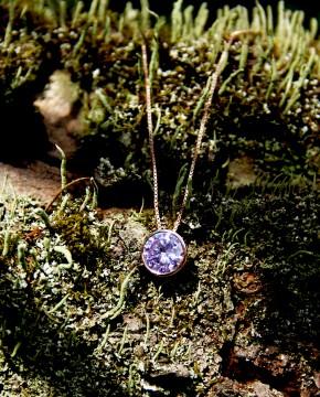 Rose Kettenanhänger lila Margareta
