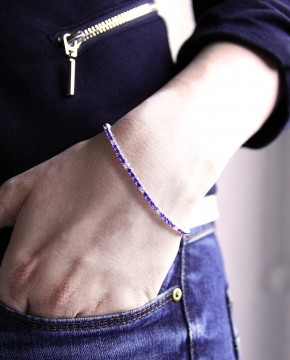 Sterling Silber Armband blau Elisabeth am Arm mit Jacket und Jeans