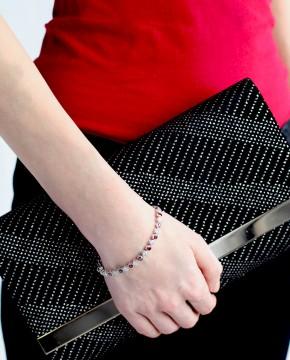 Sterling Silber Armband für Damen rot weiß am Model