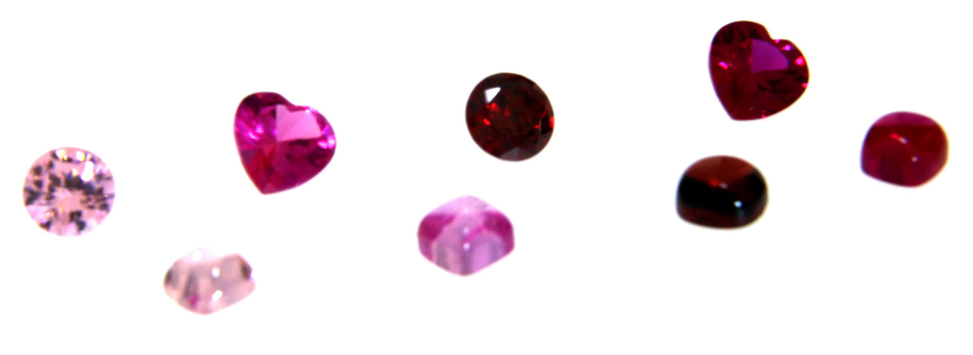 rosa und rote Zirkonia Farbsteine