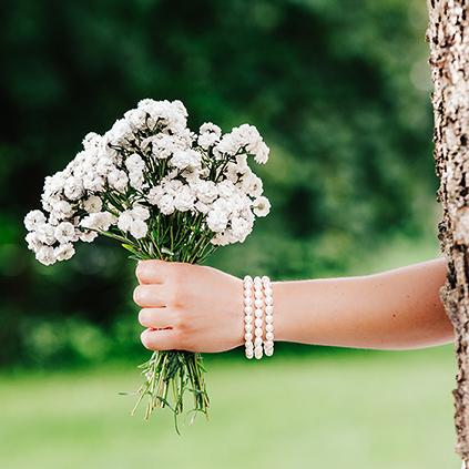 Perlen Armbänder Brautschmuck Brautstrauss