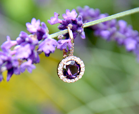 Ohrringe lila